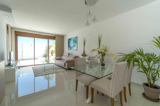 021-Villa-Beach