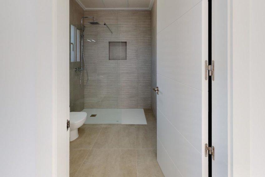 Villa-en-La-Herrada-Bathroom(1)