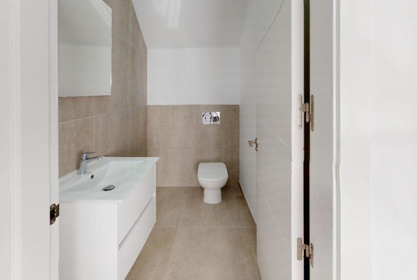 Villa-en-La-Herrada-Bathroom(2)