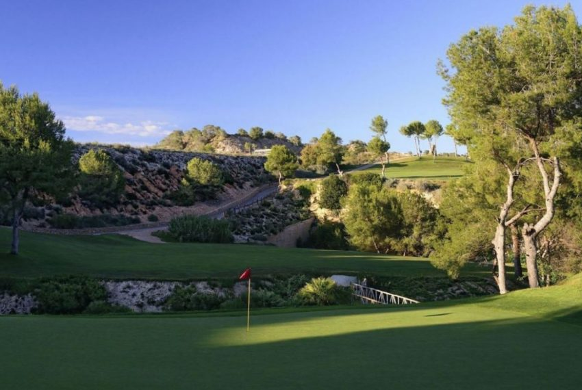 golf-expedition-golf-reizen-spanje-regio-alicante-la-finca-golf-resort-golfbaan-op-heuvel.jpg-1170x738